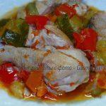 Цыплёнок тушёный с овощами